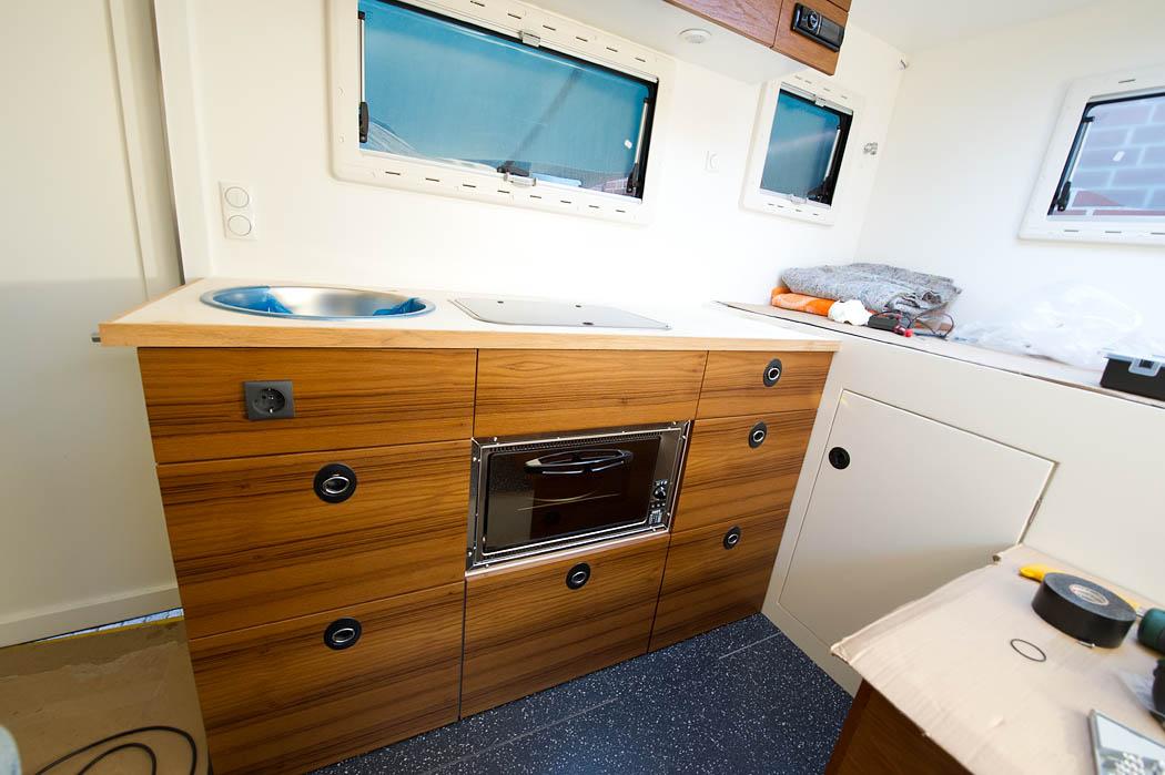 wohnmobil dusche einbauen raum und m beldesign inspiration. Black Bedroom Furniture Sets. Home Design Ideas